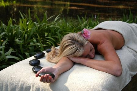 Relaxation Massage & 2 course Spa Lunch