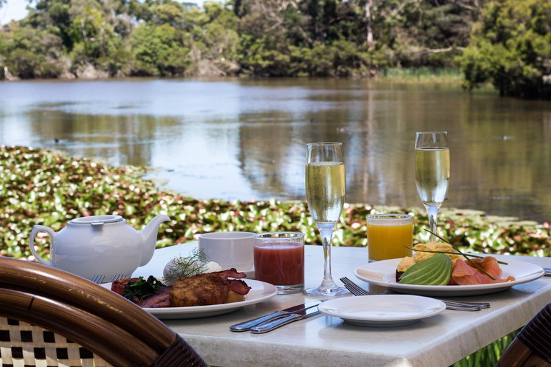 Gourmet Breakfast & Sparkling by the Lake